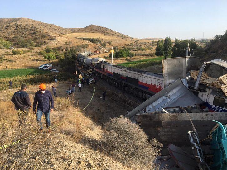 Son dakika! Yozgat'ta 2 yük treni çarpıştı: 2 yaralı