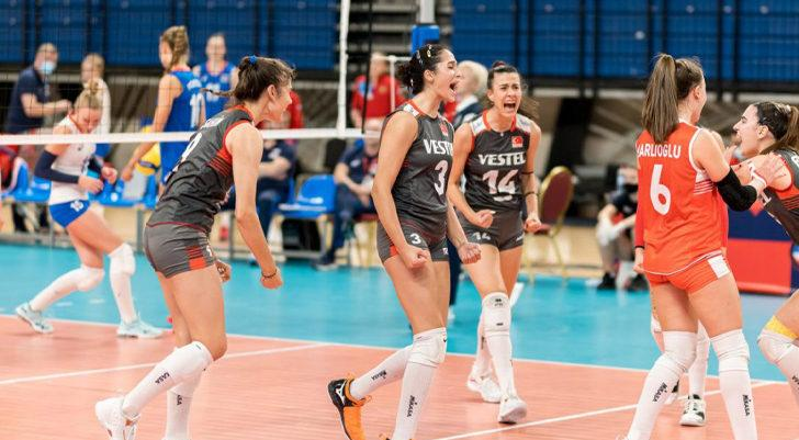 17 Yaş Altı Kız Voleybol Milli Takımımız, Rusya'ya 3-1 yenildi ve Avrupa ikincisi oldu