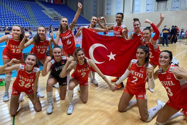 Bakan Kasapoğlu'ndan genç voleybolculara tebrik