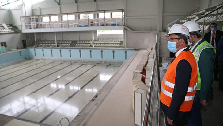 Bakan Kasapoğlu, Güngören'deki spor tesislerini inceledi