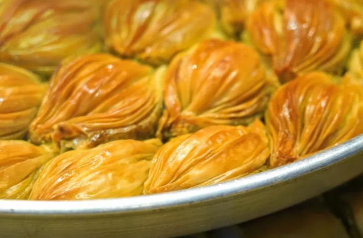 Karakuş tatlısı nasıl yapılır? MasterChef karakuş tatlısı tarifi nedir? Adana karakuş tatlısı malzemeleri nelerdir?