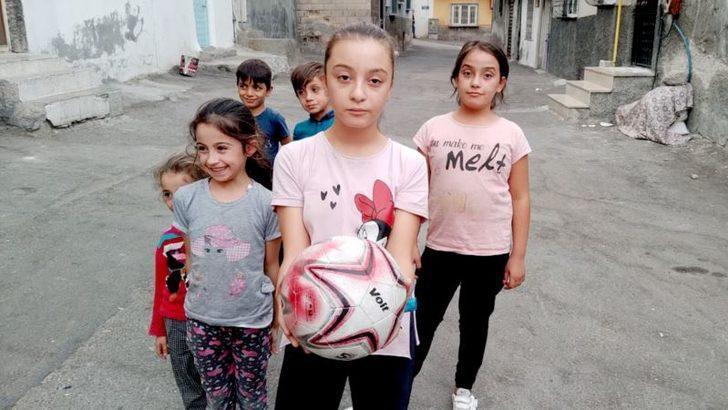 Dünya Kız Çocukları Gününde Mülteci Olmak