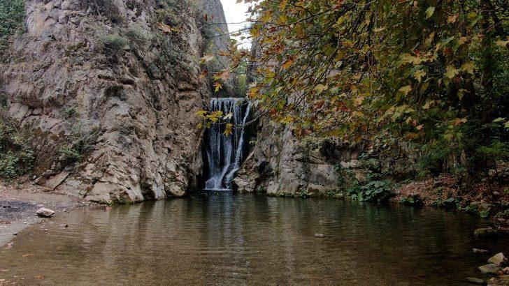 Bursa'nın saklı cenneti Yarhisar Şelalesi! Tarih meraklıları buraya hayran kalıyor