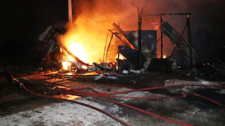 Sakarya'da anız yangını büyüdü, ev ve depo alev topuna döndü