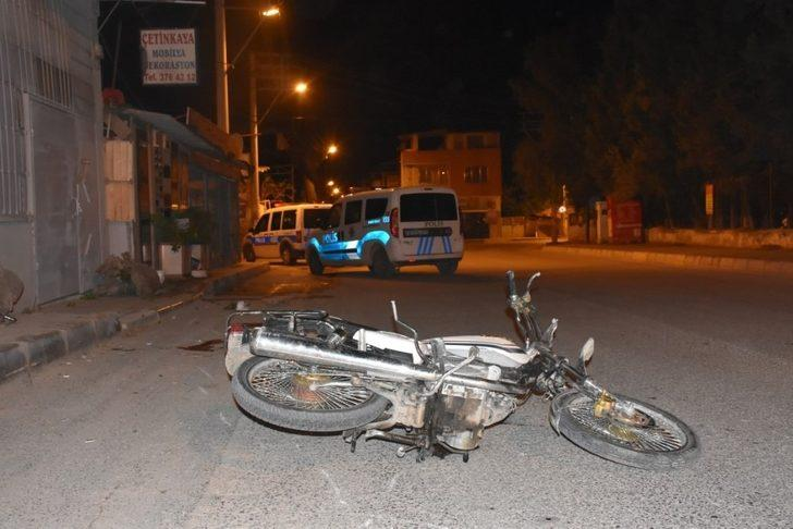 Motosikletlerine mazot alıp kaçan şahıslar kaza yaptı: 2 yaralı