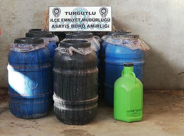 Turgutlu'da 'sahte içki' operasyonunda 2 ton şarap ele geçirildi