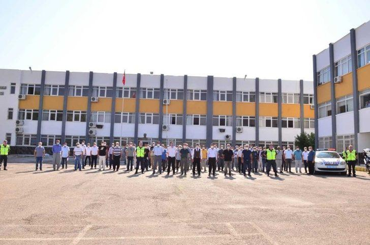 Mersin'de servis şoförlerine Covid-19 semineri