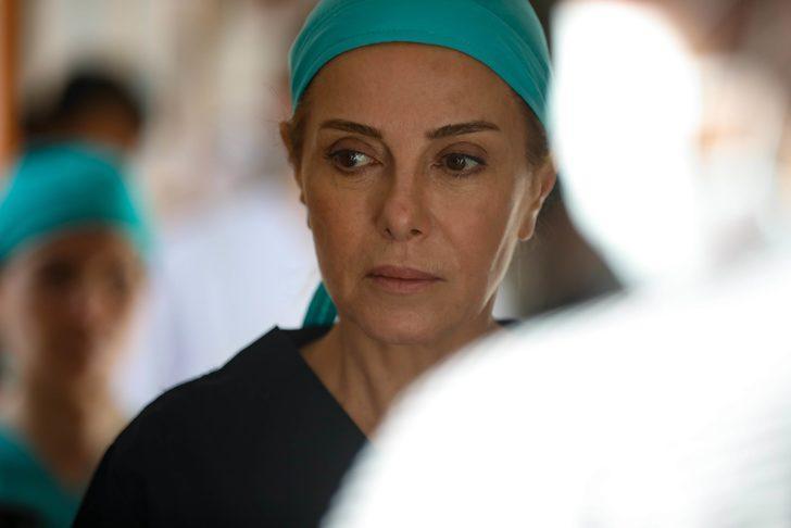Zuhal Olcay'ın yeni dizisi belli oldu! Alev Alev dizisinde hangi rolde oynayacak?