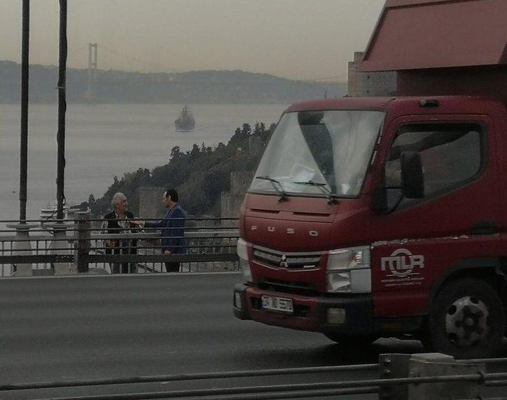 Fatih Sultan Mehmet Köprüsü'nde intihar girişimi trafiği kilitledi