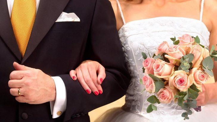 Neden hâlâ pek çok genç kadın eşlerinin soyadını alıyor?