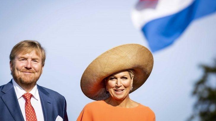 Hollanda Kralı'nın 'Evde kalın' tavsiyesine rağmen Yunanistan tatiline çıkması siyasi tartışmaya dönüştü