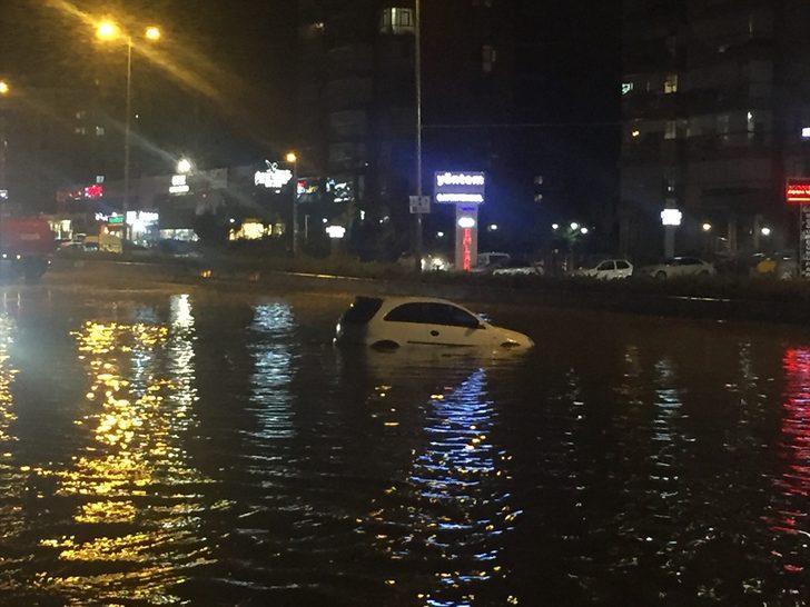 Ankara'da sağanak ve dolu etkili oldu