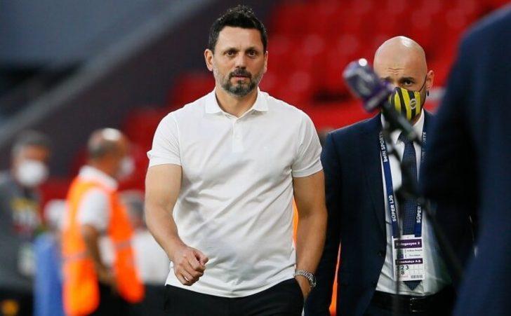 Fenerbahçe Teknik Direktörü Erol Bulut, maçın hakemine tepki gösterdi!