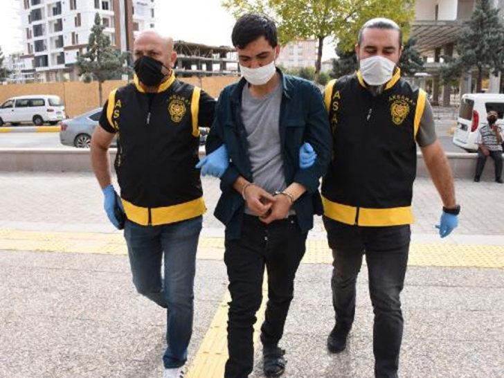 Aksaray'da korkunç olay! Polise kapıyı açıp, bıçaklamaya devam etti