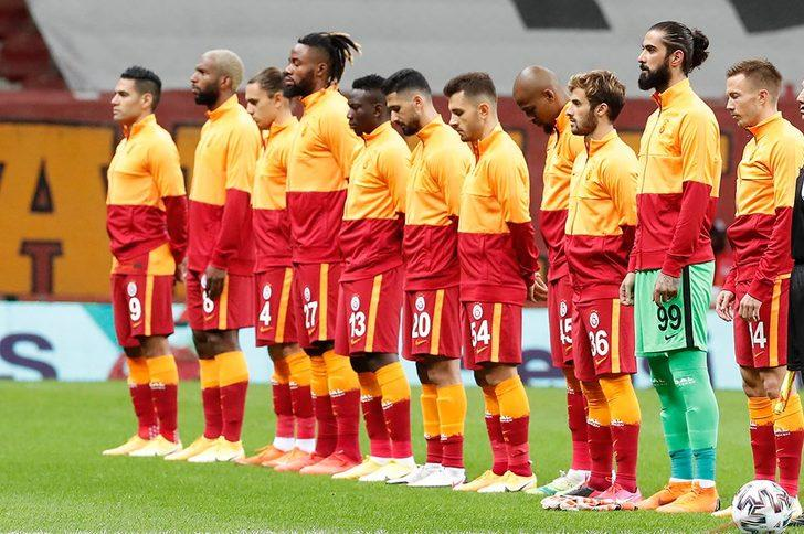 Galatasaray'da Emre Akbaba 3 ay sonra geri döndü