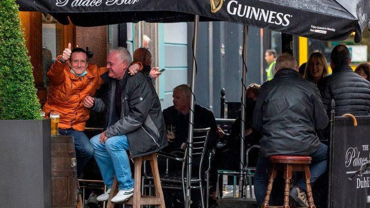 Koronavirüs: İrlanda ilkbahardakine benzer çok sıkı önlemleri devreye sokuyor