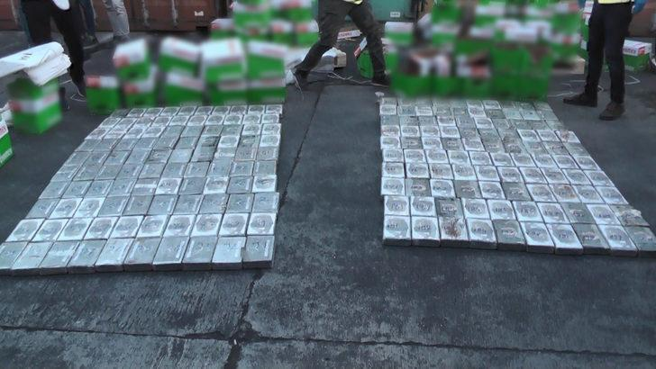 Mersin'de dev operasyon! Brezilya'dan gelen gemide 220 kilo 'kokain' ele geçirildi
