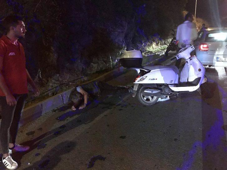 Kuşadası'nda motosikletler çarpıştı: 2 yaralı