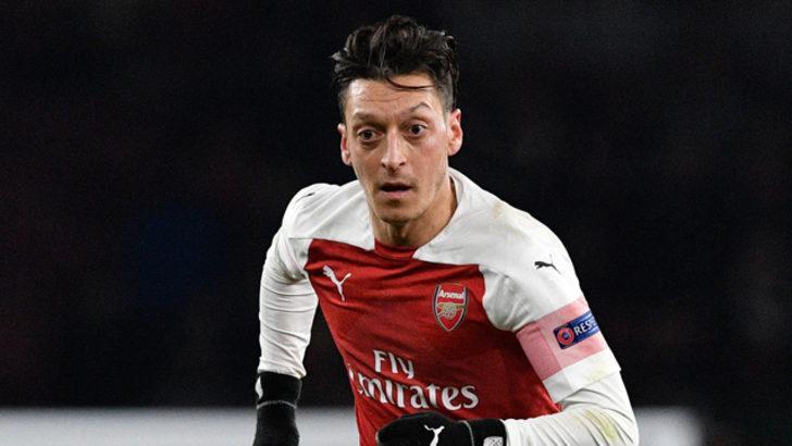 Adı Fenerbahçe ile anılan Mesut Özil Türkiye'ye gelebilir!