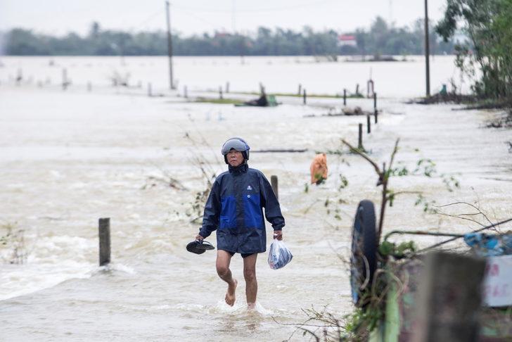 Vietnam'da aşırı yağışlar 100'den fazla can aldı