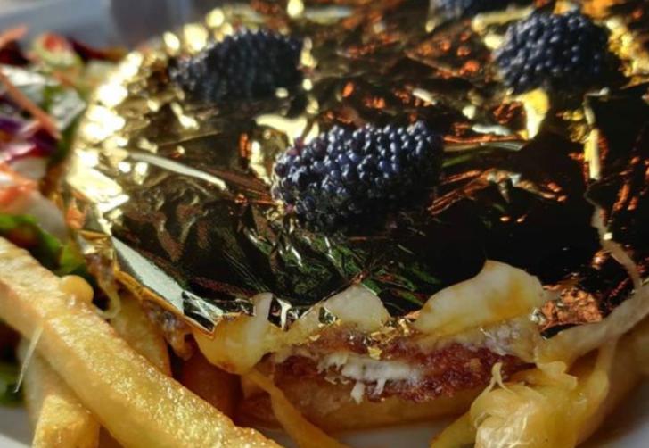 En lüks yemek! 24 ayar altın ve havyarla kaplı