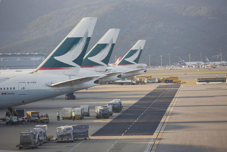 Cathay Pacific Havayolları, 8 bin 500 kişiyi işten çıkaracak