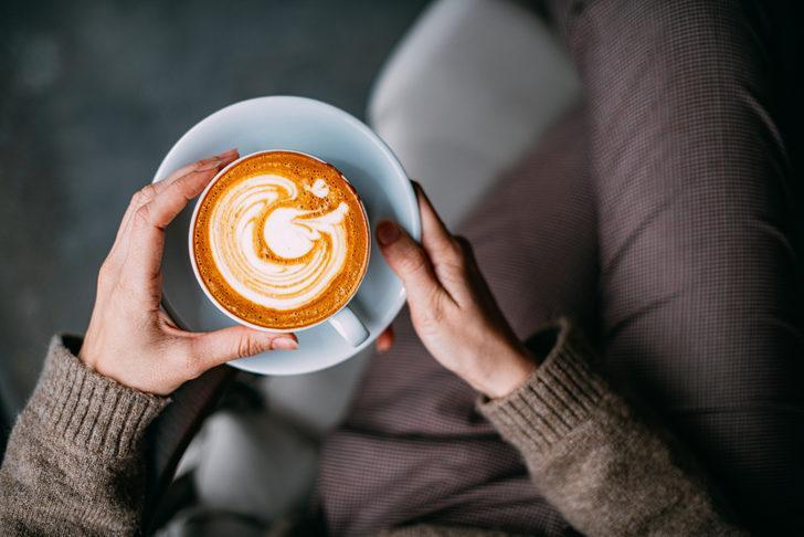 Her gün kahve içenler dikkat! Özellikle kadınlarda o hastalığa neden oluyor