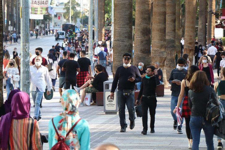 Denizli'de toplu alanlarda sokakta sigara içmek yasaklandı