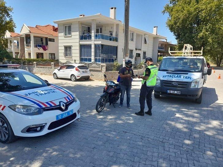 Jandarma 18 uyuşturucu şüphelisini yakaladı