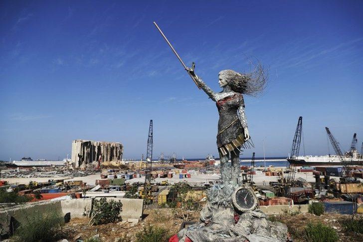 Beyrut Limanı'na patlamanın ardından bu heykel dikildi!
