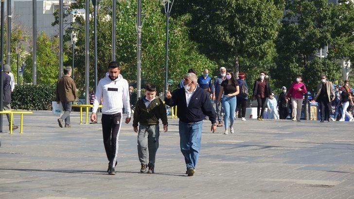 Vaka sayısının arttığı Bursa'da vatandaşların rahat davranışları tedirgin etti