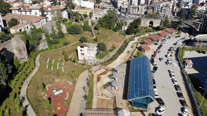 Trabzon'da şaşırtan görüntü! Kamulaştırma bedelini kabul etmedi, kentsel dönüşümün ortasında kaldı