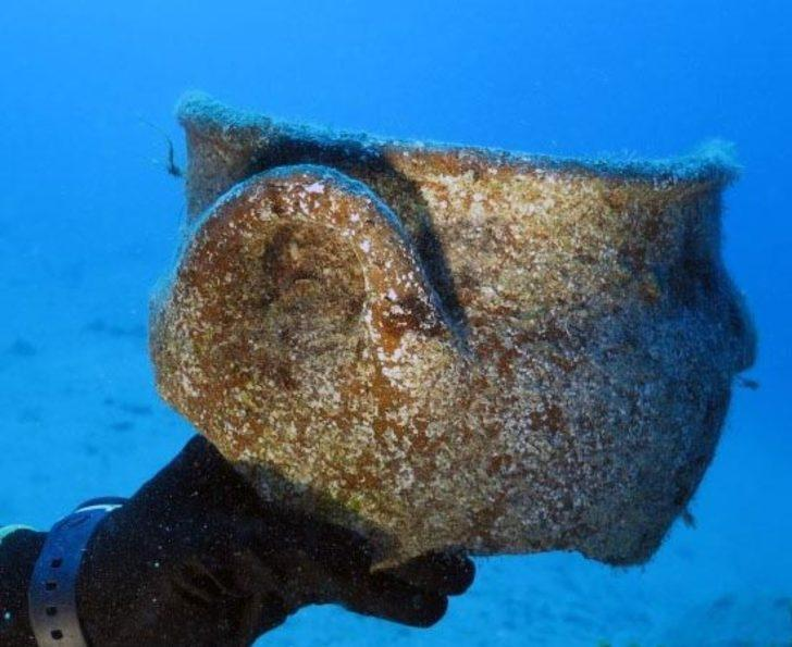 Bilim insanları, deniz dibinde yaklaşık 4 bin yıllık eserlere ulaştı