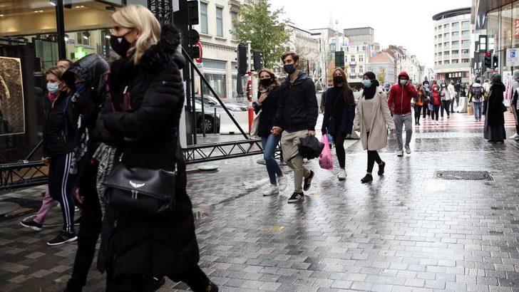 Belçika'da birlikte sandiviç yiyen 5 öğrenciye 12 bin TL'ye yakın ceza