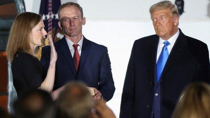 Beklenen oldu: Başkan önünde yemin etti