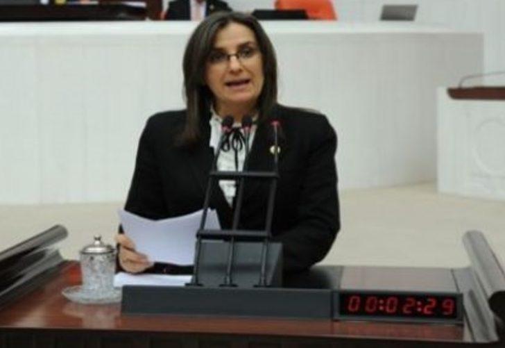 AK Parti milletvekili Tülay Kaynarca, koronavirüs testinin pozitif çıktığını açıkladı