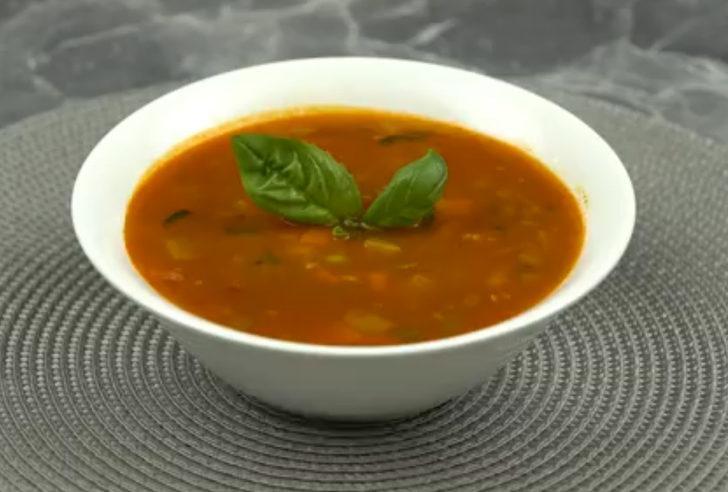 Minestrone çorbası nasıl yapılır? MasterChef minestrone çorbası tarifi nedir?  İşte İtalyan çorbası minestrone malzemeleri ve püf noktaları