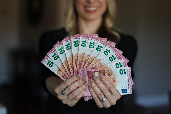 Rüyada birinden para almak ne demek, ne anlama gelir?