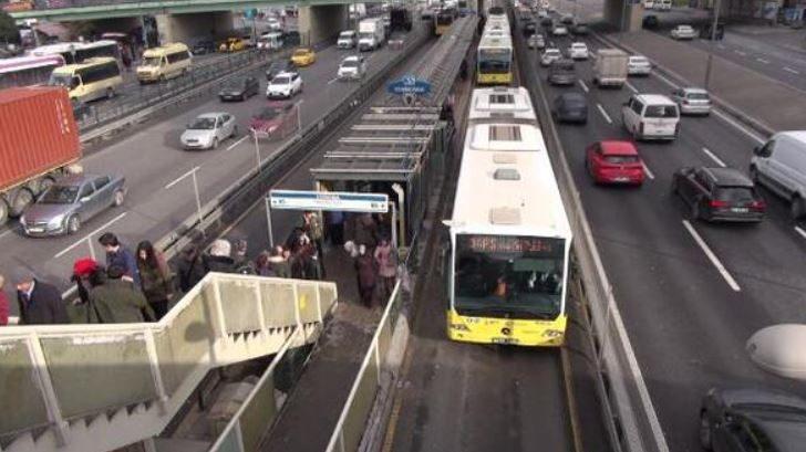 29 Ekim toplu taşıma ücretsiz... 2020 Cumhuriyet Bayramı'nda otobüsler bedava mı?29 Ekim'de İETT metro, metrobüs, vapur, tramvaylar ücretsiz mi?