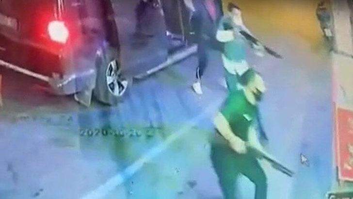 İzmir'de tekel baskını! 7 kişi sopa ve silahlarla geldiler