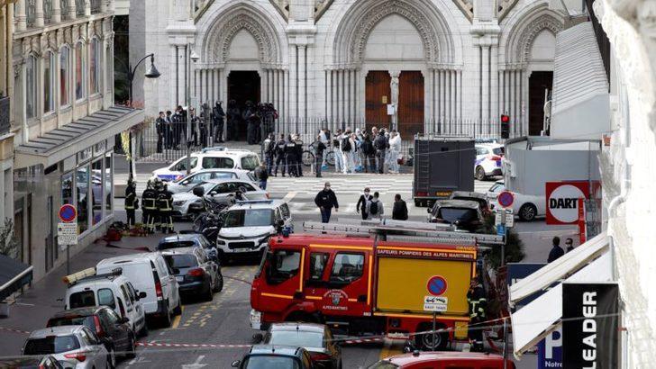 Fransa'da Yeniden Bıçaklı Terör Saldırısı