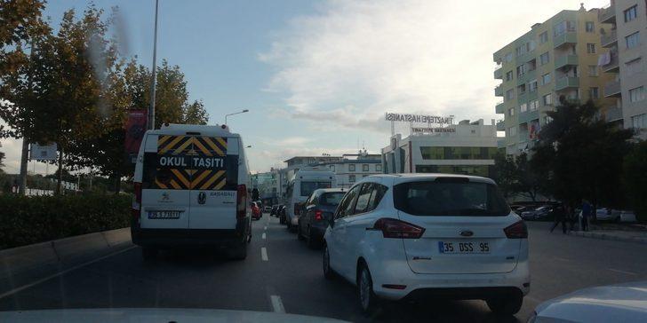 İzmir'de deprem sonrası trafik yoğunluğu