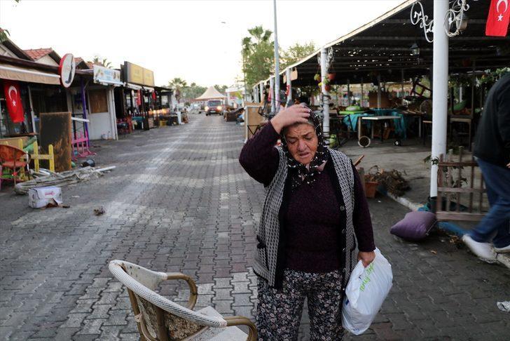 AFAD'dan İzmir açıklaması: Depremzedeler için gıda kolisi ve battaniyeye ihtiyaç var
