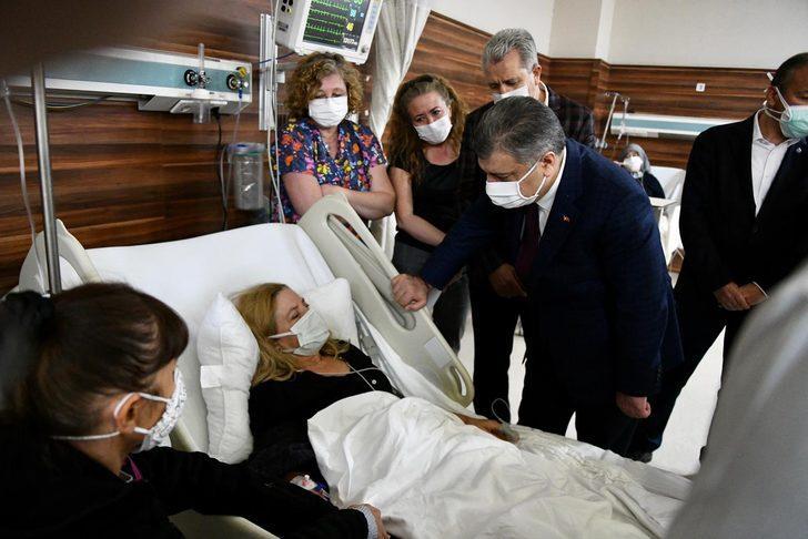 Sağlık Bakanı Fahrettin Koca'dan İzmir'deki depremde yaralananlarla ilgili flaş açıklama