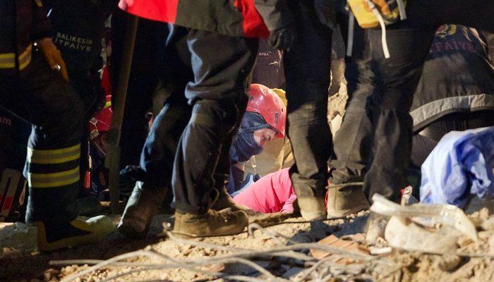 İzmir'deki depremde kaç kişi öldü ve yaralandı? Depremle ilgili son dakika gelişmeleri
