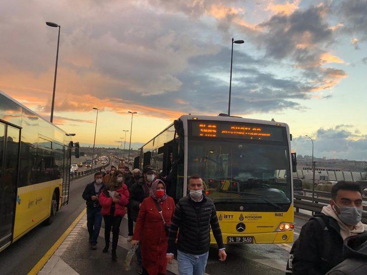 Metrobüsler kafa kafaya çarpışmaktan kıl payı kurtuldu