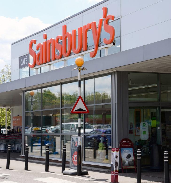 İngiliz perakende zinciri  Sainsbury's 3 bin 500 kişiyi işten çıkarıyor