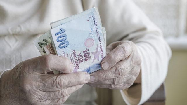 Dolandırıcılar şimdi de emeklinin ikramiyesine göz dikti!