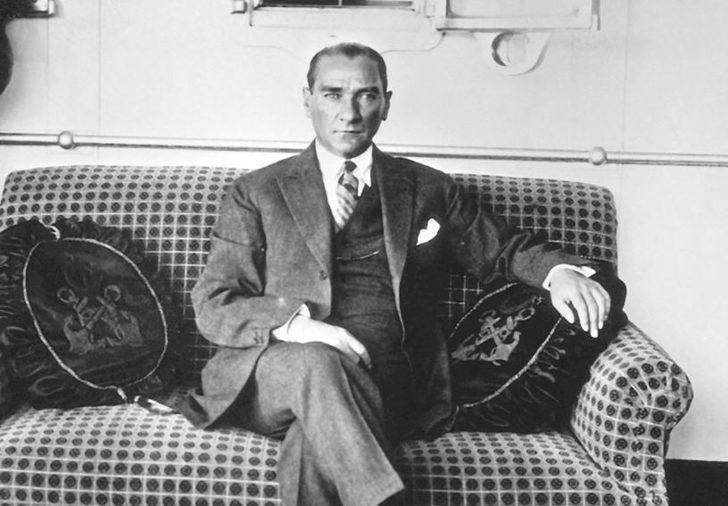 Atatürk'ü anma günü yaklaşıyor... İlkokul kısa, 2 kıtalık-4 kıtalık 10 Kasım şiirleri! Atatürk Haftası nedir? En güzel kısa 10 Kasım şiirleri!