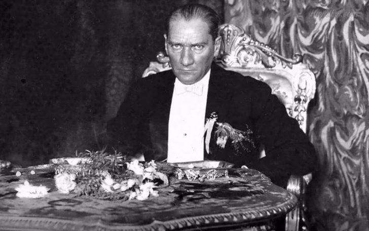 10 Kasım Ulu Önder Atatürk anılıyor... En güzel 10 Kasım şiirleri, Atatürk'ü anma mesajları ve Atatürk'ün az bilinen fotoğrafları!